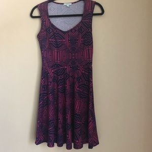 Soprano Fit & Flare Navy & Pink Patterned Dress M